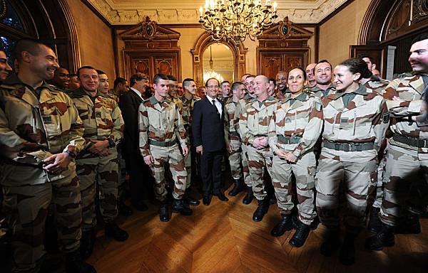 militaires-Francois-Hollande-Mali.jpg