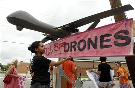 2013-05-23T201913Z_1_APAE94M1KG400_RTROPTP_2_OFRWR-USA-DRONES-OBAMA-20130523.jpg