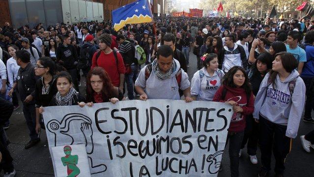 639x360_1337188479_Estudiantes_Chile.jpg