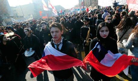 marcha-de-estudiantes-en-chile-el-moderador-2.jpg