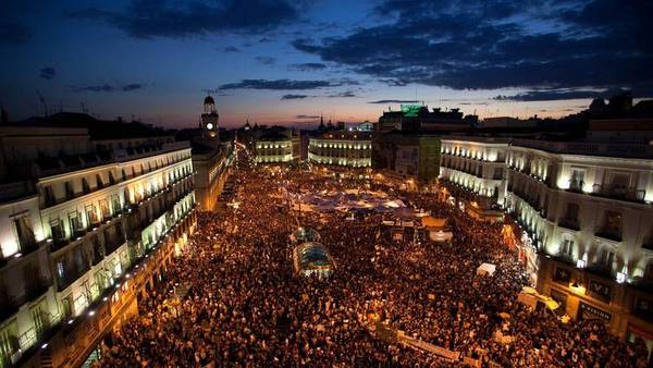 PUERTA-SOL-manifestantes-politico-Espana_CLAIMA20110520_0191_34.jpg