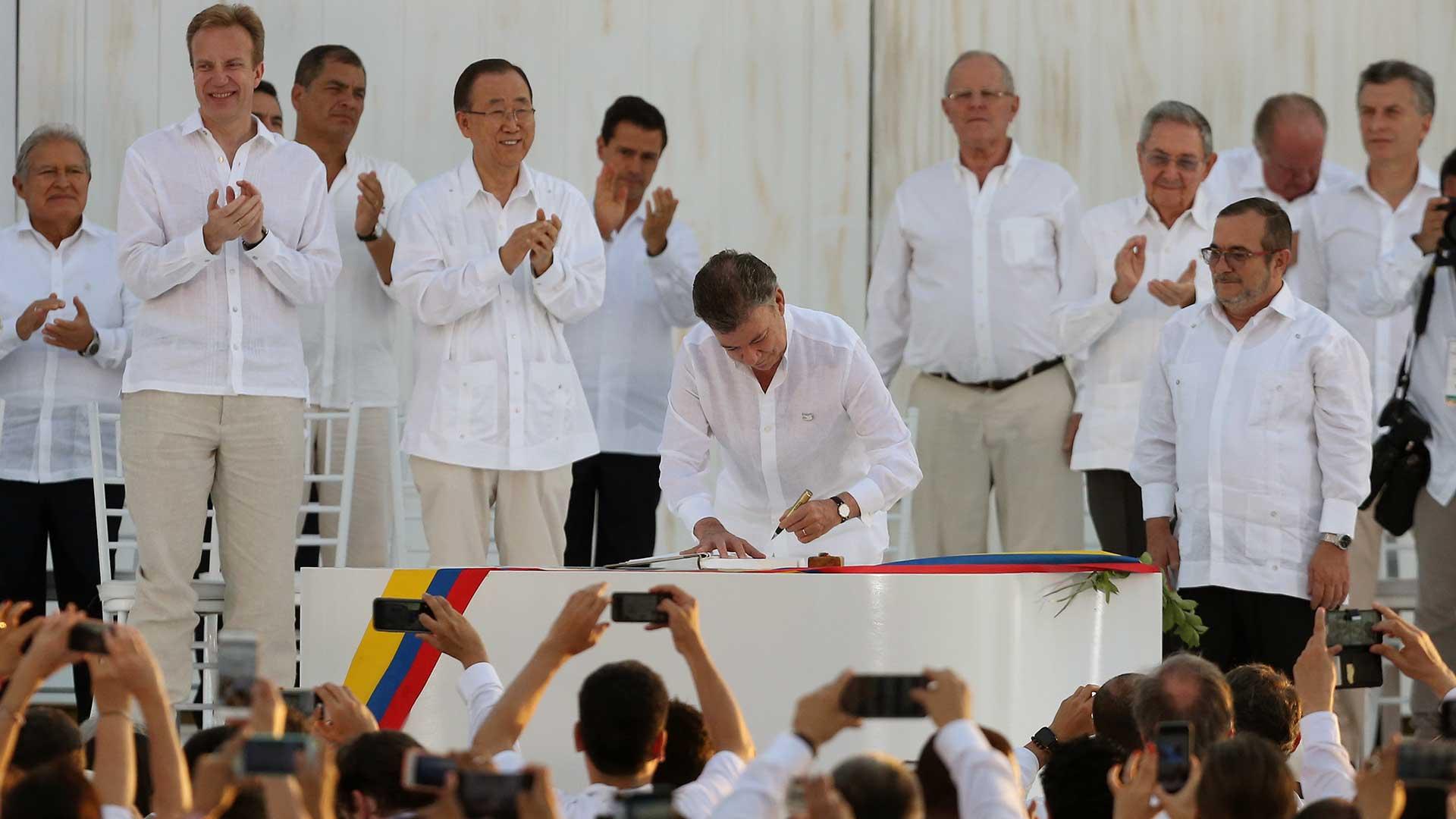 colombia-paz-farc-acuerdo-firma-santos-1920.jpg