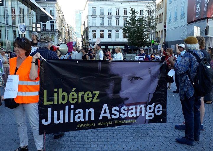 assange17-3.jpg